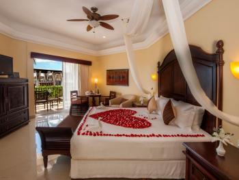 Gran Porto Resort & Spa Riviera Maya Mexico - Gran Junior Suite Beachfront Walk