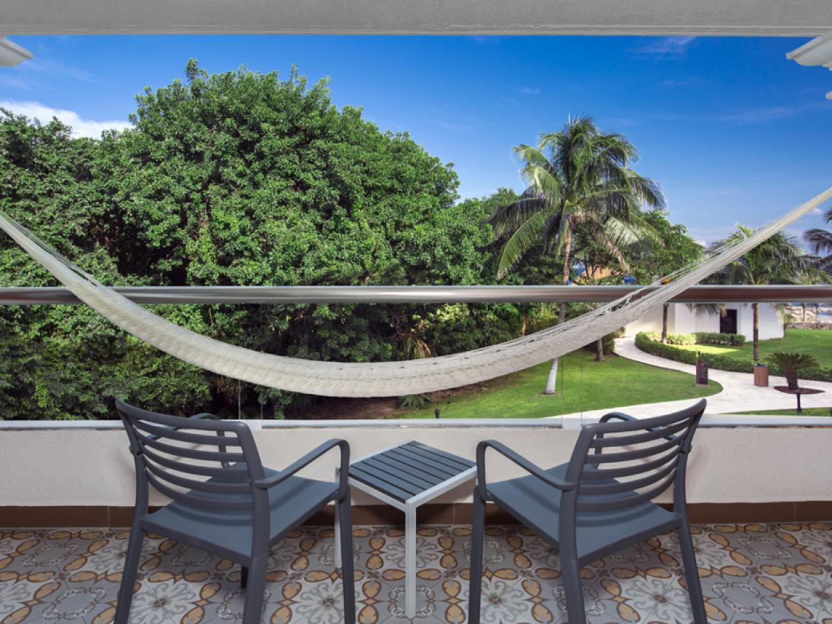 Hard Rock Riviera Maya Deluxe Diamond King Bed Balcony