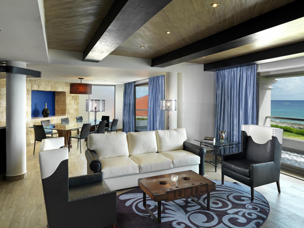 Hard Rock Riviera Maya Rock Suite Platinum 2BR living room