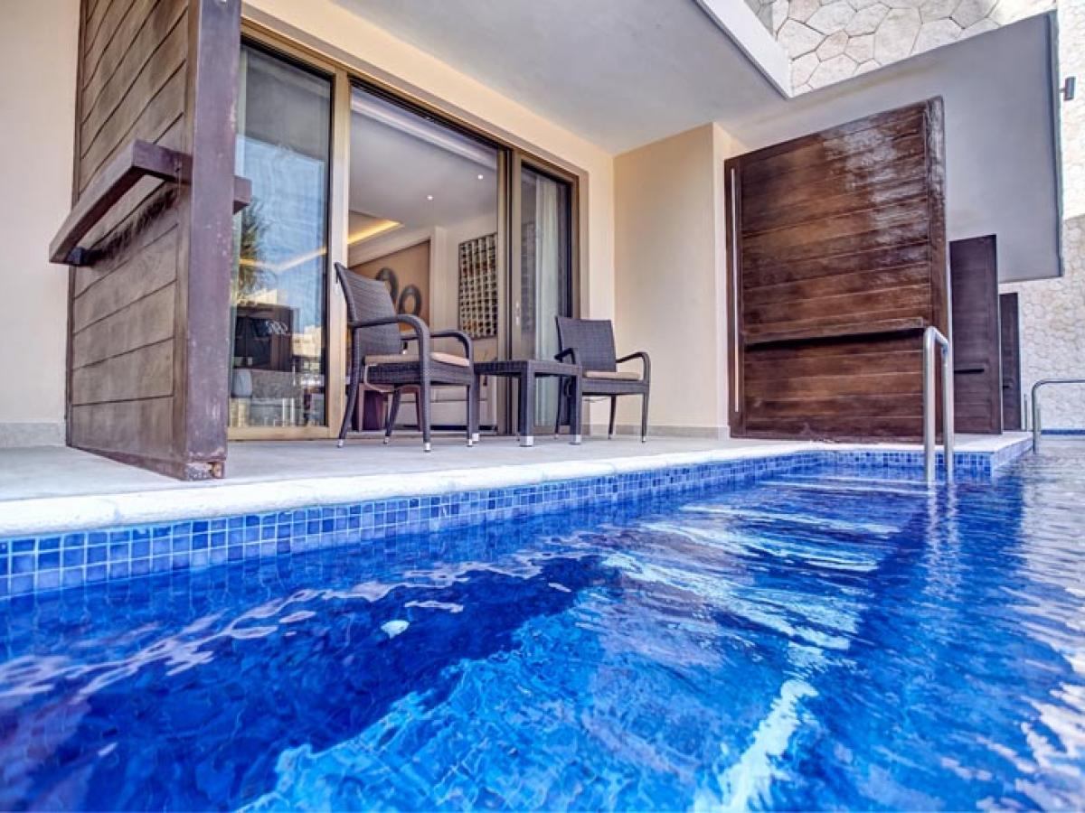 Hideaway Royalton Riviera Cancun Mexico - Luxury Suite Ocean Vie