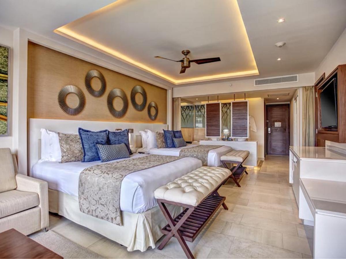 Royalton Riviera Cancun Mexico - Luxury Junior Suite