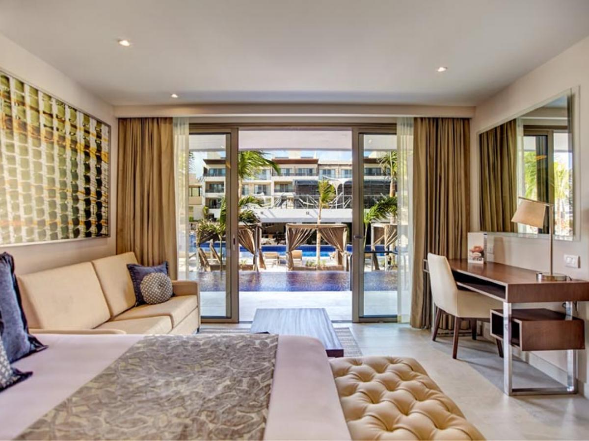 Royalton Riviera Cancun Mexico - Luxury  Suite Swim Out
