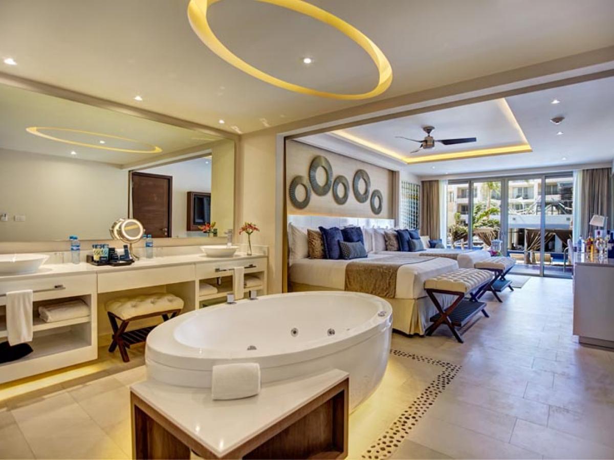 Royalton Riviera Cancun Mexico - Luxury Suite Swim Out Diamond C