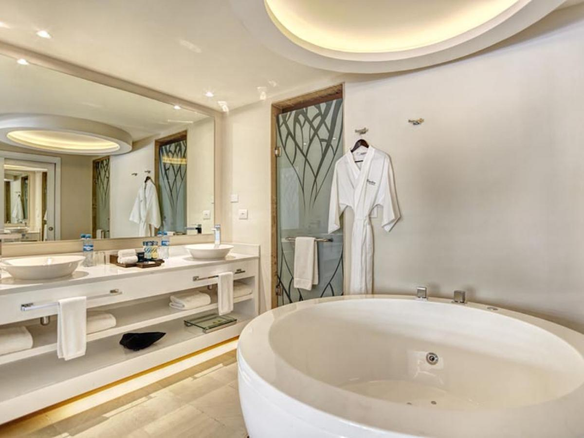 Royalton Riviera Cancun Mexico - Luxury Presidential One Bedroom