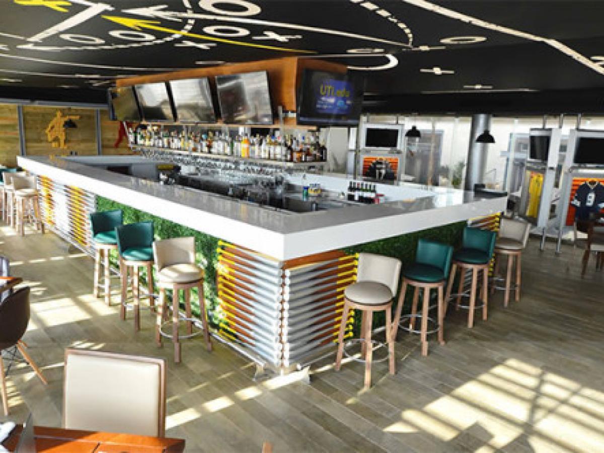 Royalton Riviera Cancun Mexico - Sports Bar