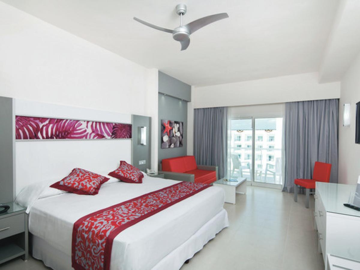 Riu Playa Blanca Panama-  Family Room