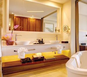 Royalton St Lucia - Junior Suite